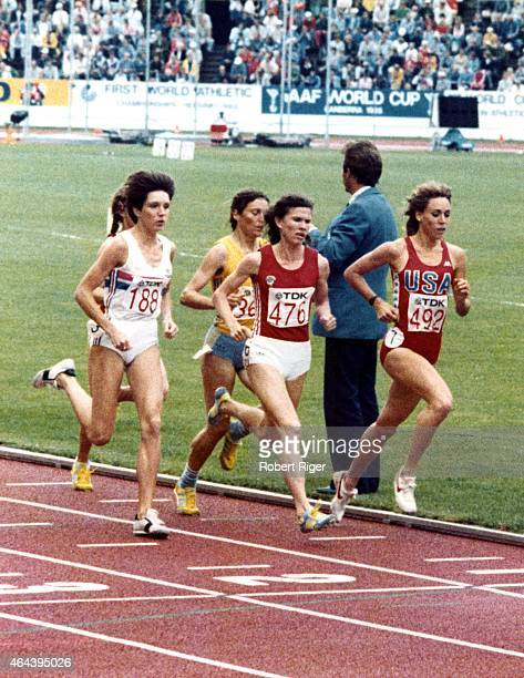 Mary Decker of the USA runs during the 1500 metres final at the IAAF World Athletics Championships on August 14 1983 at the Olympic Stadium in...