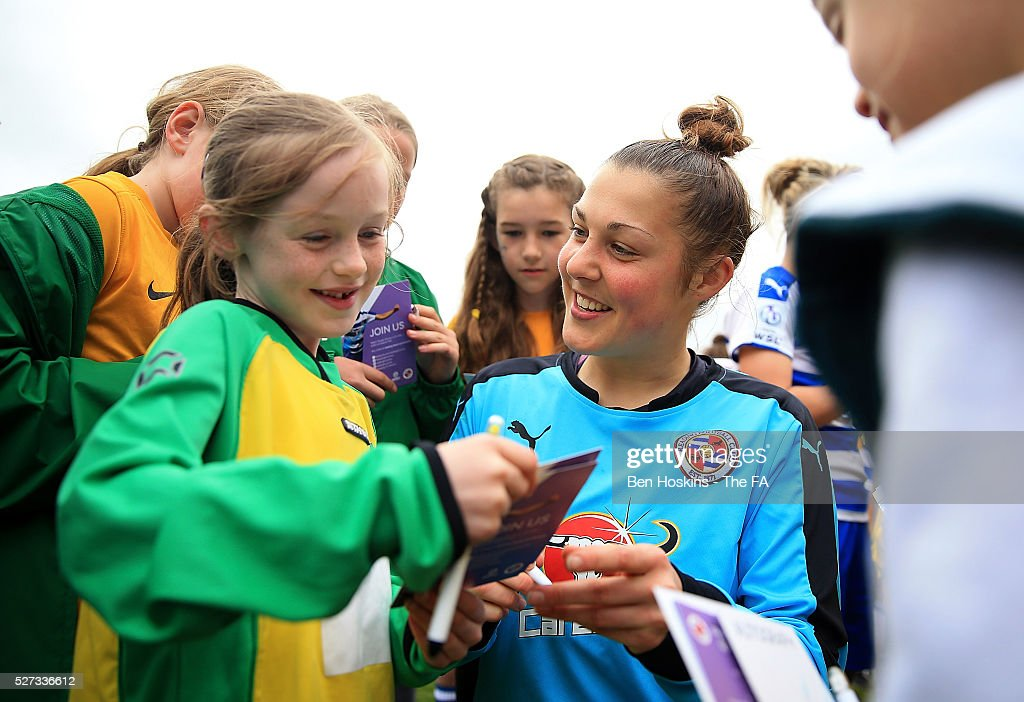 Mary Earps interacts with fans following the WSL 1 match between Reading FC Women and Sunderland AFC Ladies on May 2, 2016 in High Wycombe, England.
