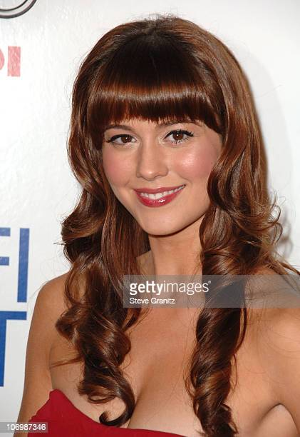Mary Elizabeth Winstead during AFI Fest 2006 Black Tie Opening Night Gala and US Premiere of Emilio Estevez's 'Bobby' Arrivals in Los Angeles...
