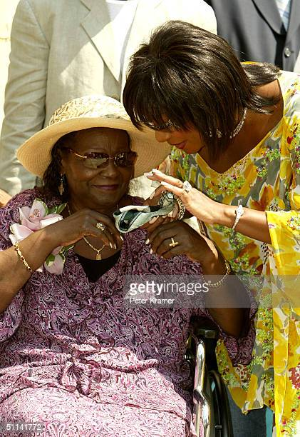 Mary Ida Vandross and Singer Patti Labelle attend a press conference to talk about the Luther Vandross Tribute CD and diabetes awareness August 4...