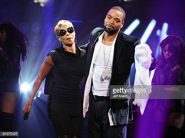 Mary J Blige and Method Man onstage at the 2009 VH1 Hip Hop Honors at the Brooklyn Academy of Music on September 23 2009 in the Brooklyn borough of...