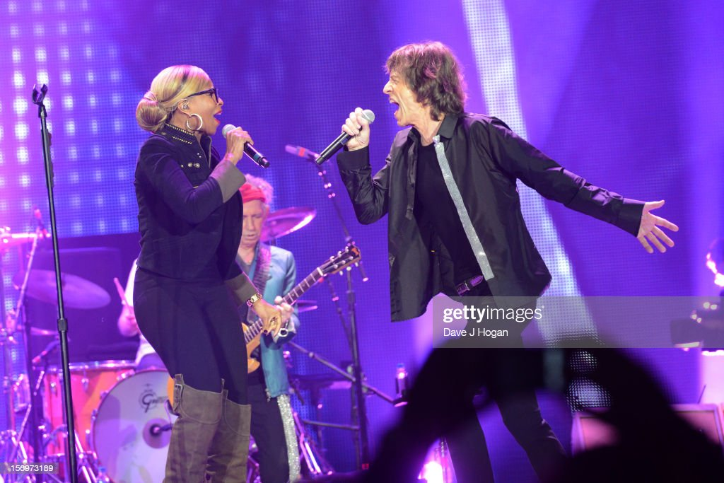Mary J Blige and <a gi-track='captionPersonalityLinkClicked' href=/galleries/search?phrase=Mick+Jagger&family=editorial&specificpeople=201786 ng-click='$event.stopPropagation()'>Mick Jagger</a> of the Rolling Stones perform at 02 Arena on November 25, 2012 in London, England.