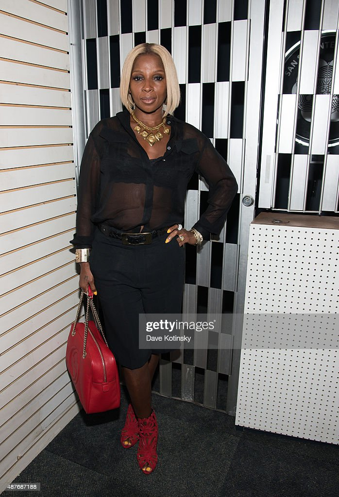 <a gi-track='captionPersonalityLinkClicked' href=/galleries/search?phrase=Mary+J.+Blige&family=editorial&specificpeople=171124 ng-click='$event.stopPropagation()'>Mary J. Blige</a> attends DAZED and Red Bull Studios New York Opening Of 'Scenario In The Shade' Hosted By Jefferson Hack, Jonah Freeman, Justin Lowe, And Jennifer Herrema at Red Bull Studios New York on September 10, 2015 in New York City.
