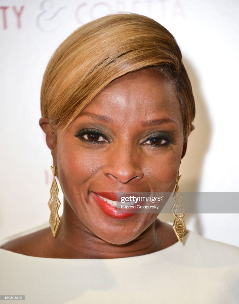 <a gi-track='captionPersonalityLinkClicked' href=/galleries/search?phrase=Mary+J.+Blige&family=editorial&specificpeople=171124 ng-click='$event.stopPropagation()'>Mary J. Blige</a> attends the 'Betty & Coretta' premiere at Tribeca Cinemas on January 28, 2013 in New York City.