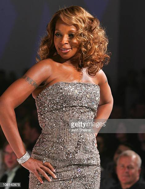 Mary J Blige during 6th Annual GM Ten Show in Los Angeles California United States