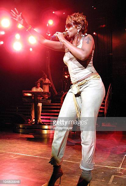 Mary J Blige during Mary J Blige in Concert at Universal Amphitheatre at Universal Amphitheatre in Universal City California United States
