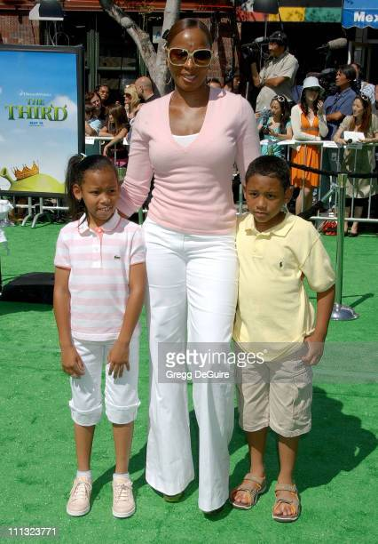 Mary J Blige during 'Shrek the Third' Los Angeles Premiere Arrivals at Mann Village Theatre in Westwood California United States