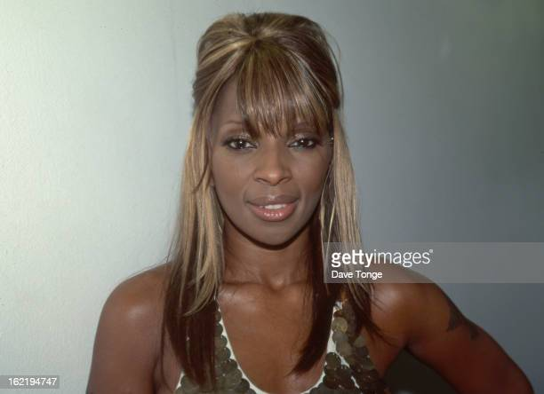Mary J Blige in her dressing room backstage at a TV show London circa 2001