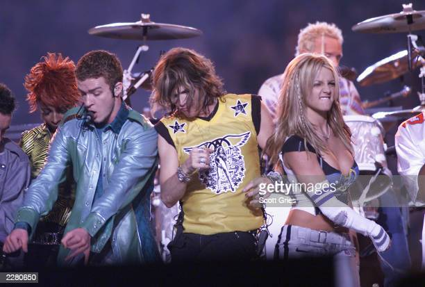 Mary J Blige Justin Timberlake Steven Tyler and Britney Spears on stage during MTV's Superbowl halftime show at Raymond James Stadium in Tampa Fla...