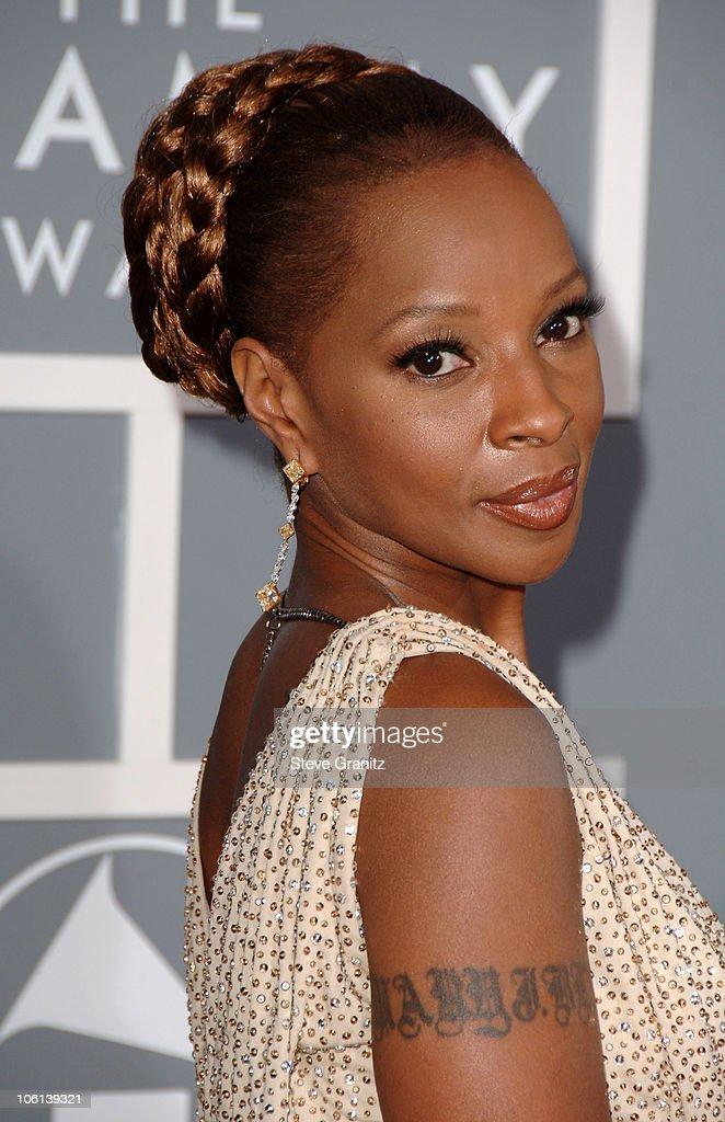 <a gi-track='captionPersonalityLinkClicked' href=/galleries/search?phrase=Mary+J.+Blige&family=editorial&specificpeople=171124 ng-click='$event.stopPropagation()'>Mary J. Blige</a>, nominee Record Of The Year, Song Of The Year, Best Pop Collaboration With Vocals, Best Female R&B Vocal Performance. Best R&B Performance By A Duo Or Group With Vocals, Best Traditional R&B Vocal Performance, Best R&B Song, Best R&B Album