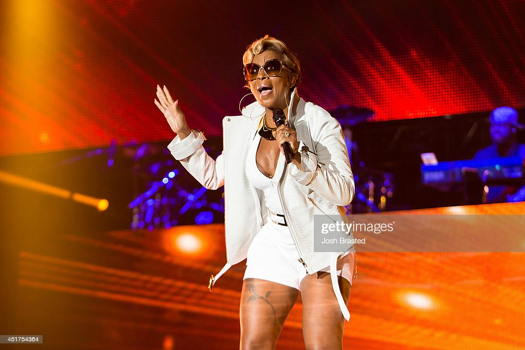 Mary J Blige performs at the 2014 Essence Music Festival on July 5 2014 in New Orleans Louisiana