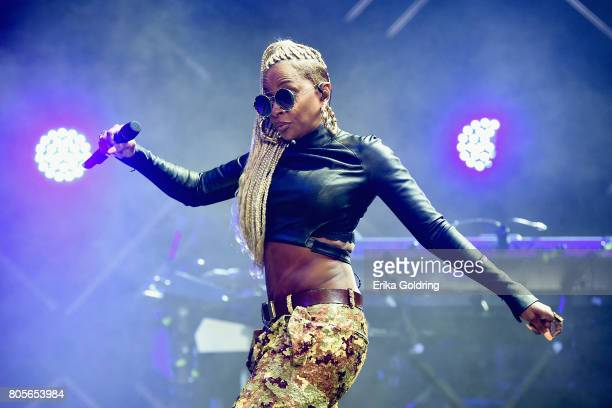 Mary J Blige performs at the 2017 ESSENCE Festival Presented By Coca Cola at the MercedesBenz Superdome on July 1 2017 in New Orleans Louisiana