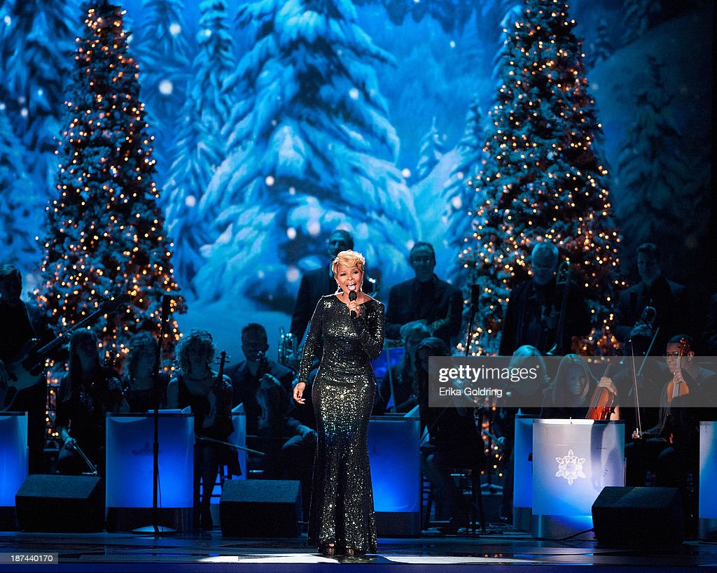 <a gi-track='captionPersonalityLinkClicked' href=/galleries/search?phrase=Mary+J.+Blige&family=editorial&specificpeople=171124 ng-click='$event.stopPropagation()'>Mary J. Blige</a> performs during the CMA 2013 Country Christmas on November 8, 2013 in Nashville, Tennessee.