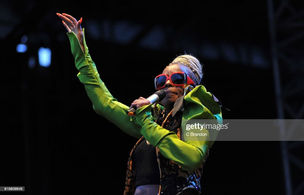 Mary J. Blige performs on stage during Day 6 of Kew the Music at Kew Gardens on July 16, 2017 in London, England.