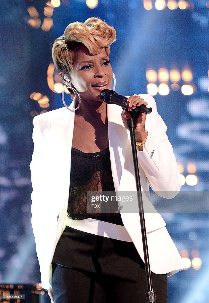 Mary J. Blige performs onstage on FOX's 'The X Factor' Season 3 Live Finale on December 19, 2013 in Hollywood, California.
