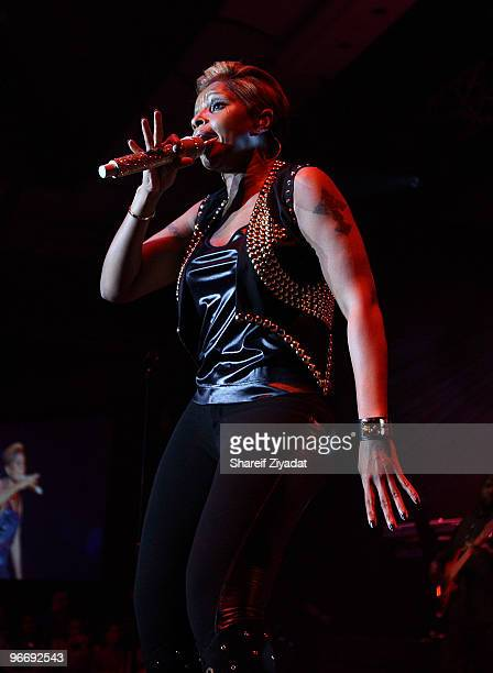 Mary J Blige preforms at the NBA Players Association Gala at Hyatt Hotel on February 13 2010 in Dallas Texas