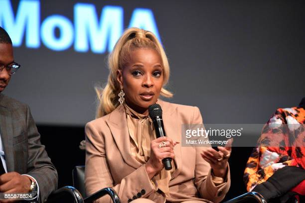 Mary J Blige speaks onstage during the Hammer Museum presents The Contenders 2017 'Mudbound' at Hammer Museum on December 4 2017 in Los Angeles...