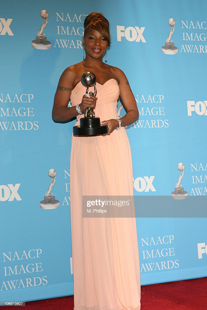 Mary J. Blige, winner Outstanding Female Artist during 38th Annual NAACP Image Awards - Press Room at Shrine Auditorium in Los Angeles, California, United States.
