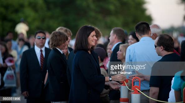 Mary Kennedy wife of Robert Kennedy Jr greeting people waiting in the 3 plus hour line to pay respects to Senator Edward M Kennedy at the John F...