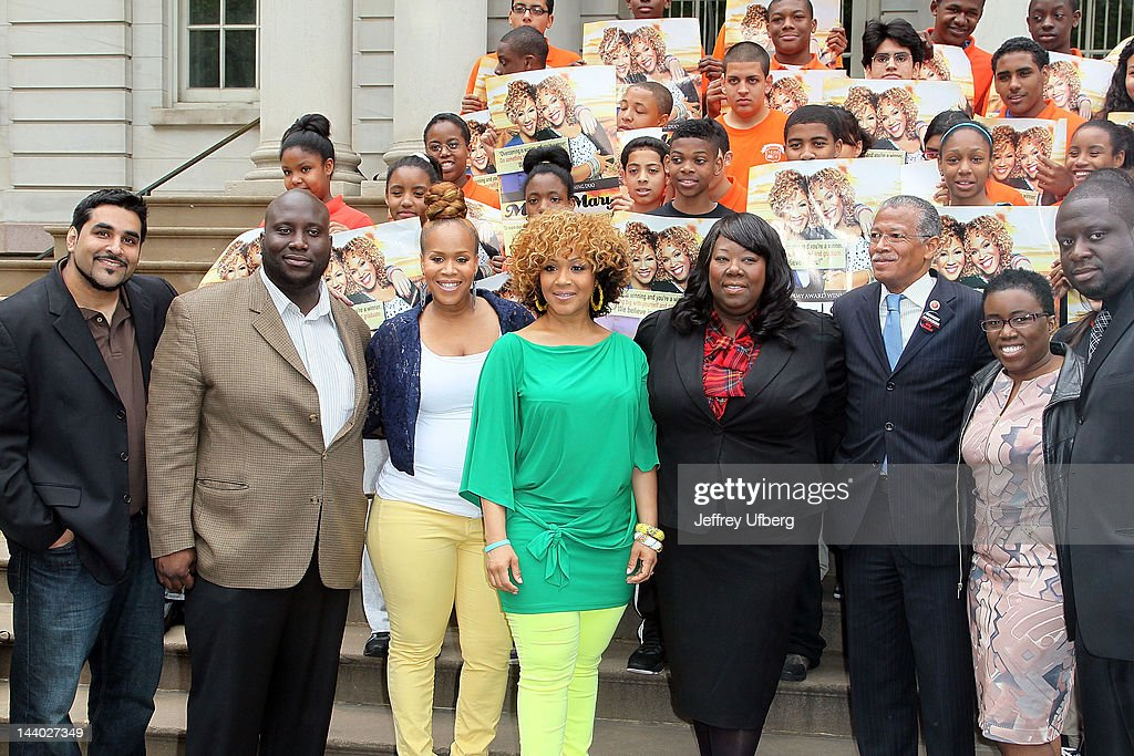 Mary Mary's Erica and Tina Campbell, Entertainers 4 Education Alliance co-founder/Executive Director Tonya Lewis, Councilman Robert Jackson and others attend the Entertainers 4 Education Alliance I Will Graduate campaign poster unveiling at City Hall on May 8, 2012 in New York City.