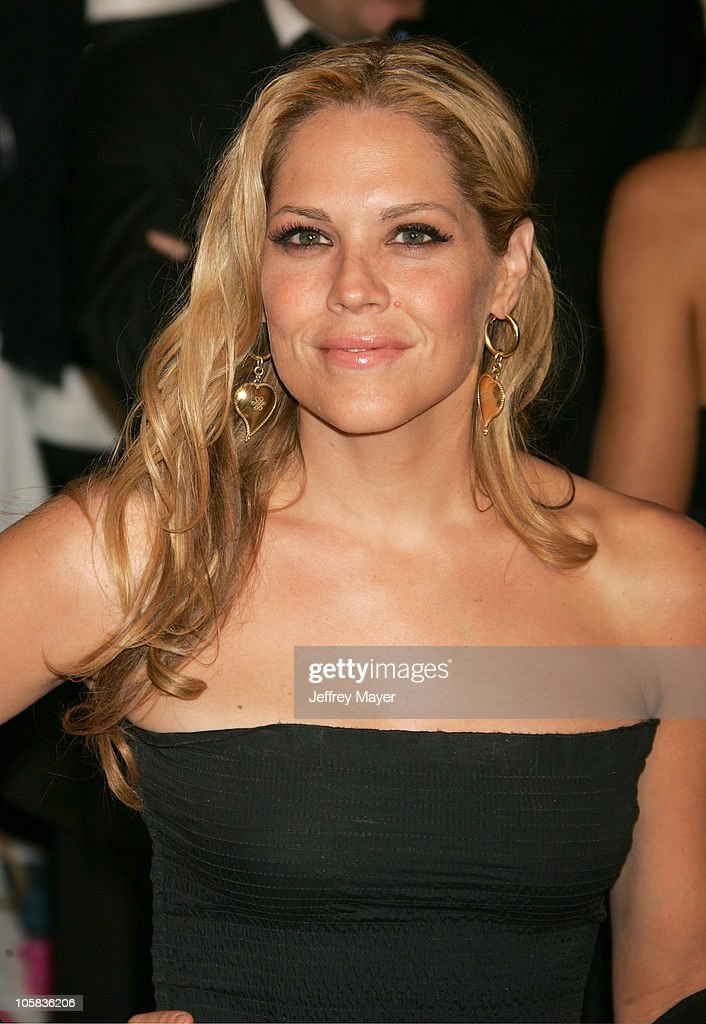Viewtopic together with The Award Worst Dressed Goes Sandra Bullock Paula Patton Julia Roberts Suffer Fashion Faux Pas Golden Globes Red Carpet Theyre Not Offenders as well Mgm Lion also Charlize Theron Bikini n 4522887 furthermore 529477864. on oscar mayer and co
