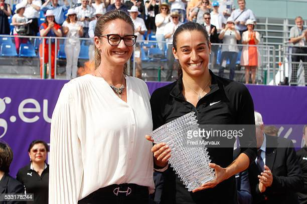 Mary Pierce and Caroline Garcia during the Internationaux de Strasbourg Final at Strasbourg Tennis Club on May 21 2016 in Strasbourg France