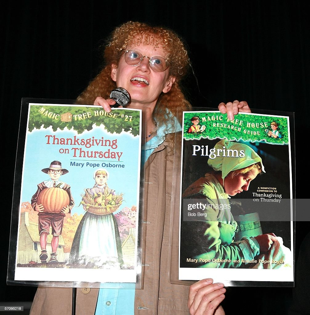 Mary Pope Osborne Signs Her Quot Magic Tree House Series