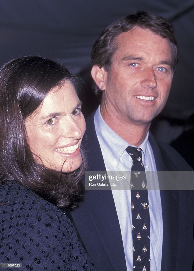 Mary Richardson Kennedy and <a gi-track='captionPersonalityLinkClicked' href=/galleries/search?phrase=Robert+F.+Kennedy+Jr.+-+Environmental+Lawyer&family=editorial&specificpeople=240088 ng-click='$event.stopPropagation()'>Robert F. Kennedy Jr.</a> attend Metropolitan Museum of Art Costume Institute Exhibition 'Jacqueline Kennedy - The White House Years' on April 23, 2001 at the Metropolitan Museum of Art in New York City.