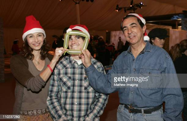 Mary Steenburgen Jason Ritter and Joe Mantegna *Exclusive*