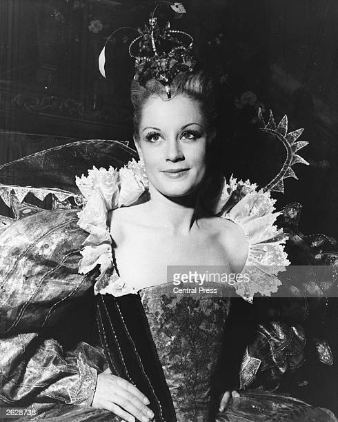 Mary Ure in the role of Titania in Peter Hall's production of Shakespeare's 'A Midsummer Night's Dream' at Stratford upon Avon