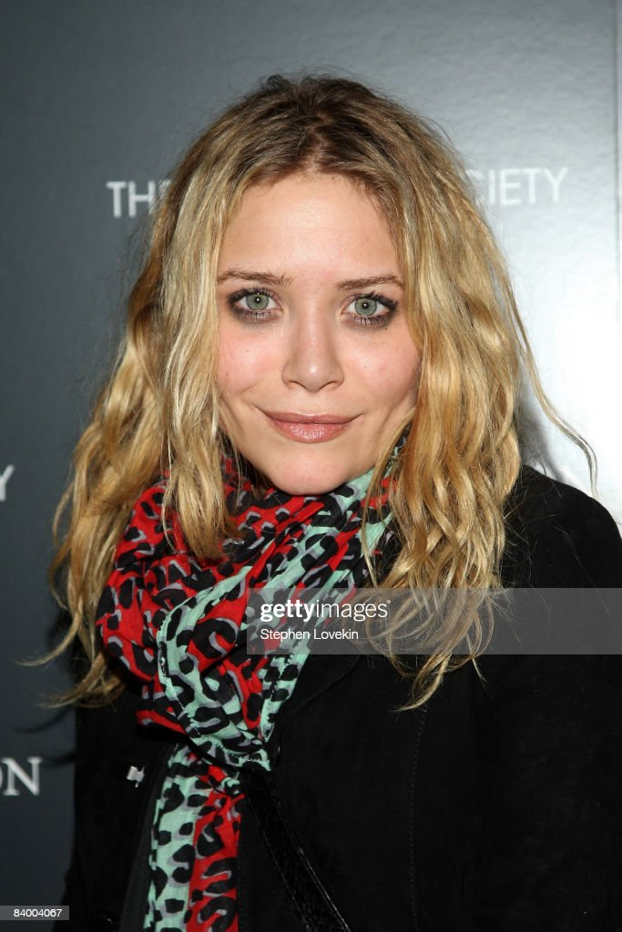 Mary-Kate Olsen attends a screening of 'The Curious Case of Benjamin Button' presented by The Cinema Society, Pamella Roland & Svedka at the Tribeca Grand Screening Room on December 11, 2008 in New York City.