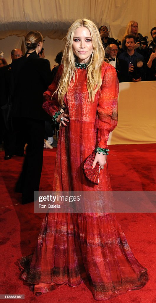 Mary-Kate Olsen attends 'Alexander McQueen: Savage Beauty' Costume Institute Gala on April 2, 2011 at the Metropolitan Museum of Art in New York City.