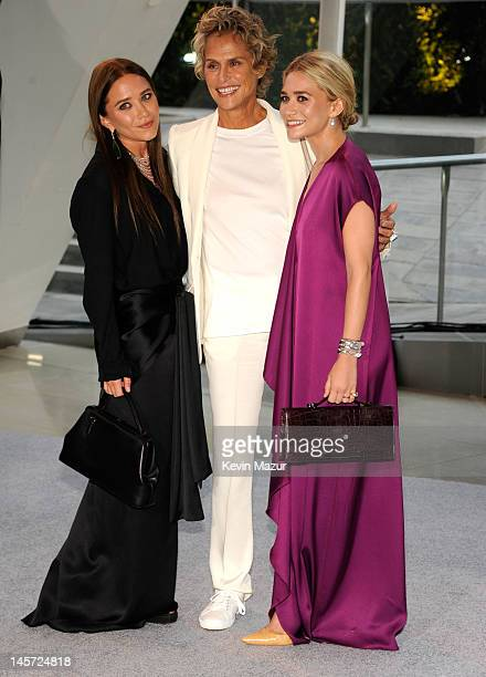 MaryKate Olsen Lauren Hutton and Ashley Olsen attend 2012 CFDA Fashion Awards at Alice Tully Hall on June 4 2012 in New York City