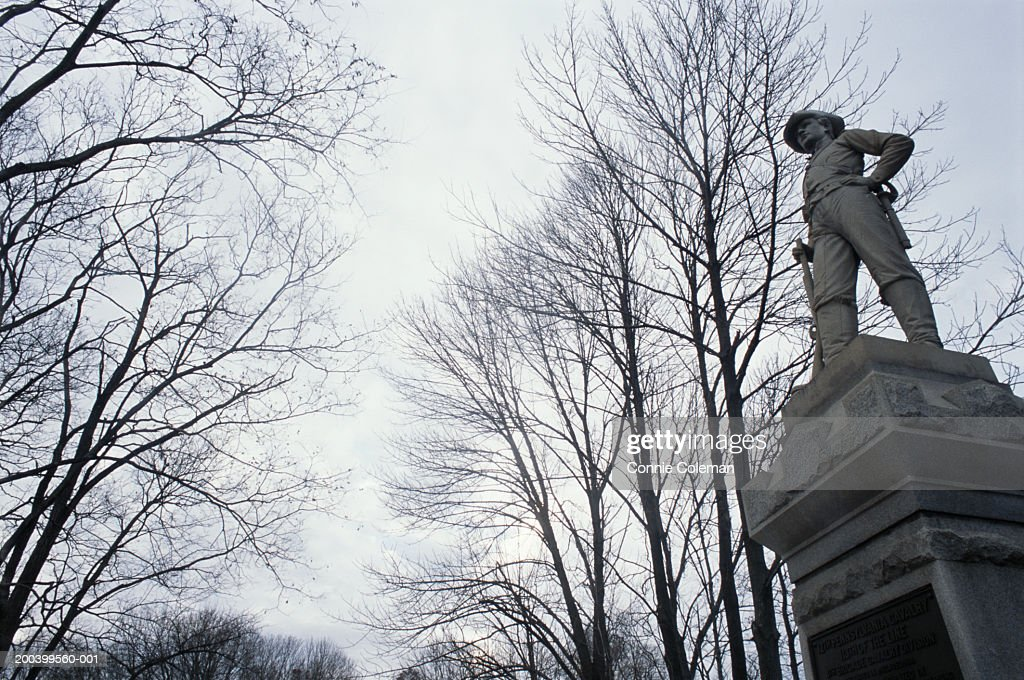 USA, Maryland, Antietam National Battlefield, monument, low angle view