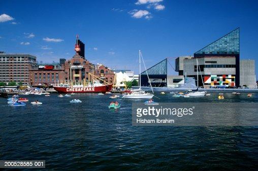 USA, Maryland, Baltimore, harbour and aquarium : Stock Photo