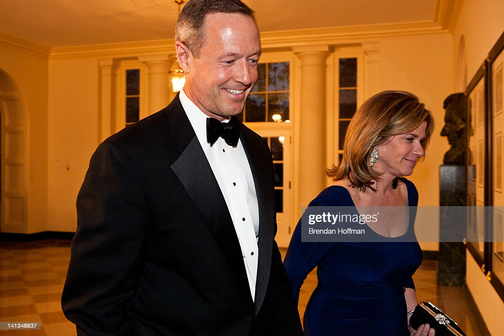 Maryland Governor <a gi-track='captionPersonalityLinkClicked' href=/galleries/search?phrase=Martin+O%27Malley&family=editorial&specificpeople=653318 ng-click='$event.stopPropagation()'>Martin O'Malley</a> and his wife Katie O'Malley arrive for a State Dinner in honor of British Prime Minister David Cameron at the White House on March 14, 2012 in Washington, DC. Cameron is on a three day official visit to Washington.