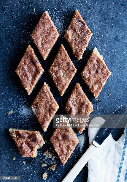 Marzipan and almond cake pieces