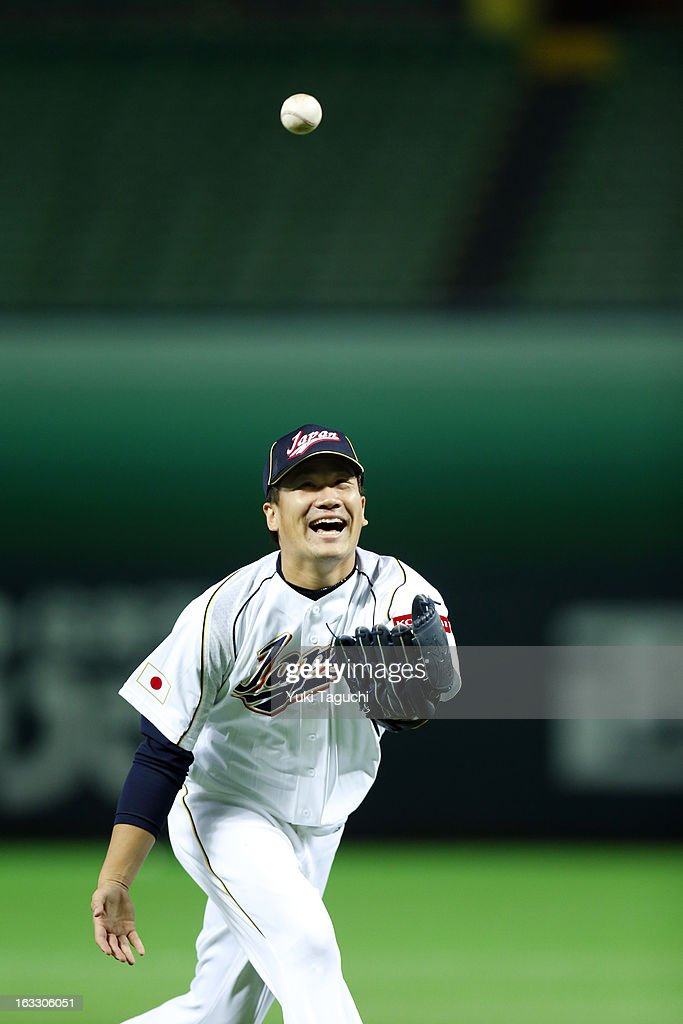 <a gi-track='captionPersonalityLinkClicked' href=/galleries/search?phrase=Masahiro+Tanaka&family=editorial&specificpeople=5492836 ng-click='$event.stopPropagation()'>Masahiro Tanaka</a> #16 of Team Japan catches a pop-up during pitchers fielding practice during the World Baseball Classic workout day at the Yahoo Dome on February 27, 2013 in Fukuoka, Japan.