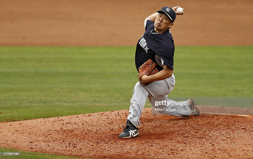 <a gi-track='captionPersonalityLinkClicked' href=/galleries/search?phrase=Masahiro+Tanaka&family=editorial&specificpeople=5492836 ng-click='$event.stopPropagation()'>Masahiro Tanaka</a> #19 of the New York Yankees throws during a spring training game against the Philadelphia Phillies at Bright House Field on March 6, 2014 in Clearwater, Florida.