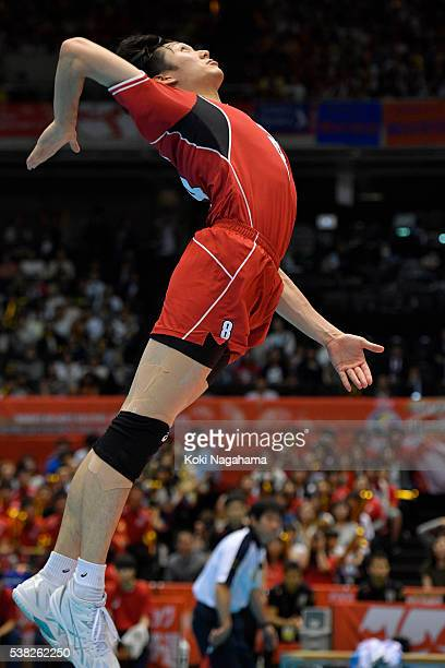 Masahiro Yanagida of Japan serves the ball during the Men's World Olympic Qualification game between France and Japan at Tokyo Metropolitan Gymnasium...