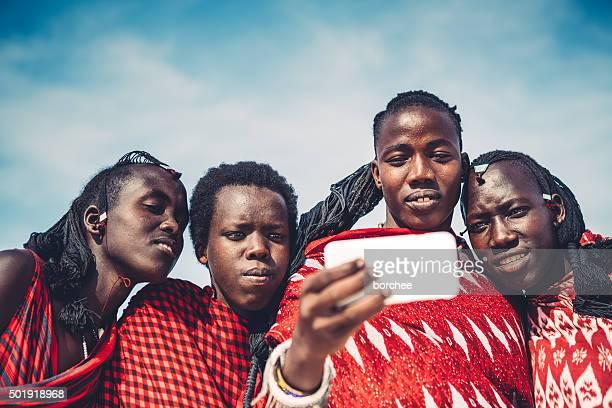 Masai prendendo un Selfie