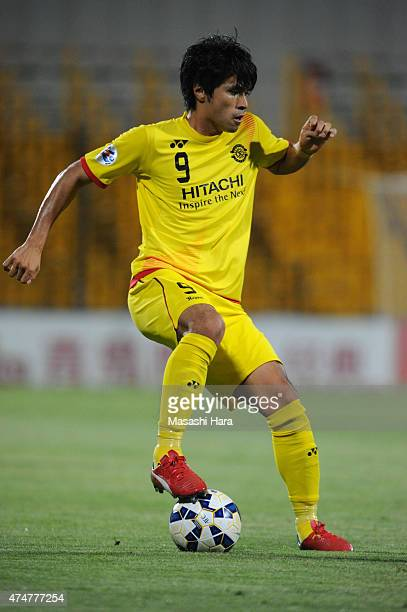 Masato Kudo of Kashiwa Reysol in action during the AFC Champions League Round of 16 match between Kashiwa Reysol and Suwon Samsung FC at Hitachi...