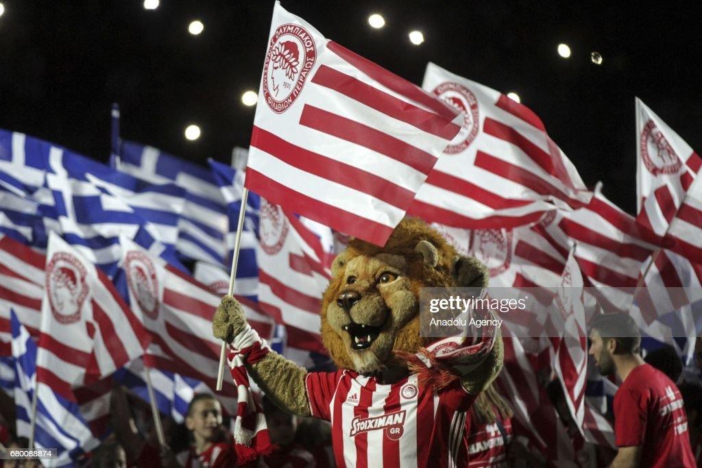 A mascot of Olympiacos celebrates their victory during the championship celebration of Superleague Greece at Georgios Karaiskakis Stadium in Piraeus, Greece on May 7, 2017.