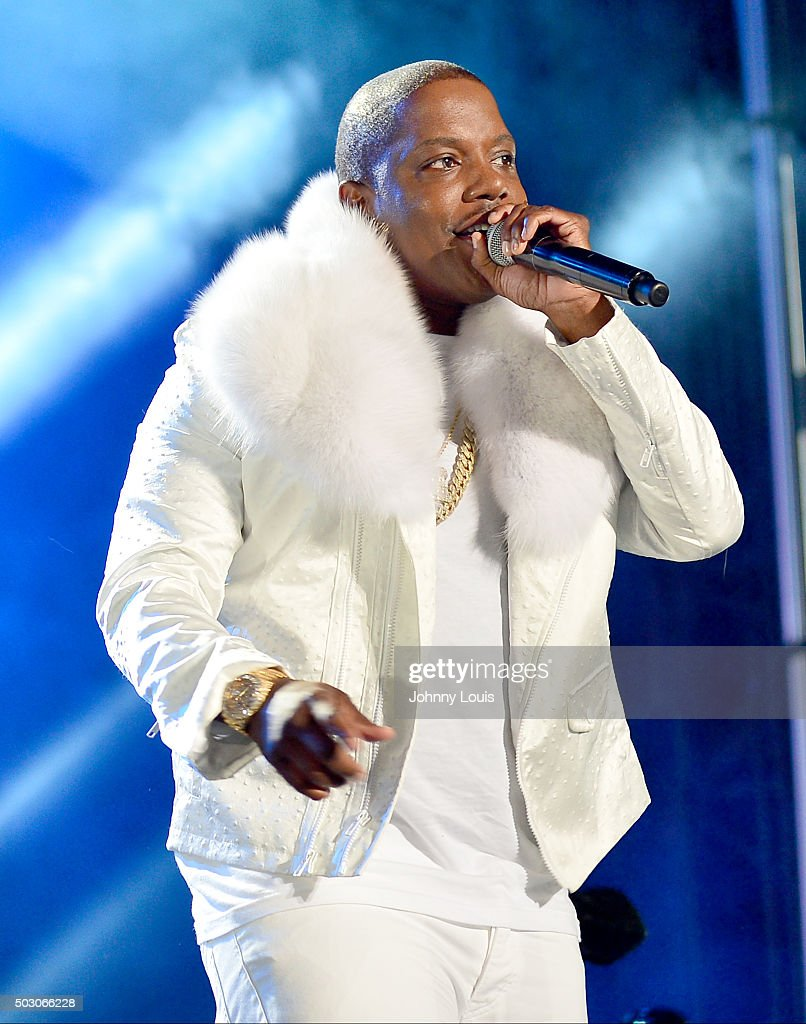 Mase perfoms at Pitbull's New Years Eve Revolution 2016 at Bayfront Park Amphitheater on December 31 2015 in Miami Florida