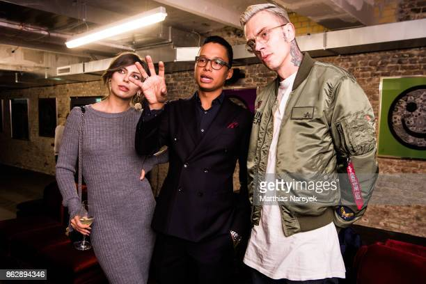 Masha Sedgwick artist Romulo Kuranyi and guest during Romulo's 'Farbenspiel' exhibition opening at Hotel Provocateur on October 18 2017 in Berlin...