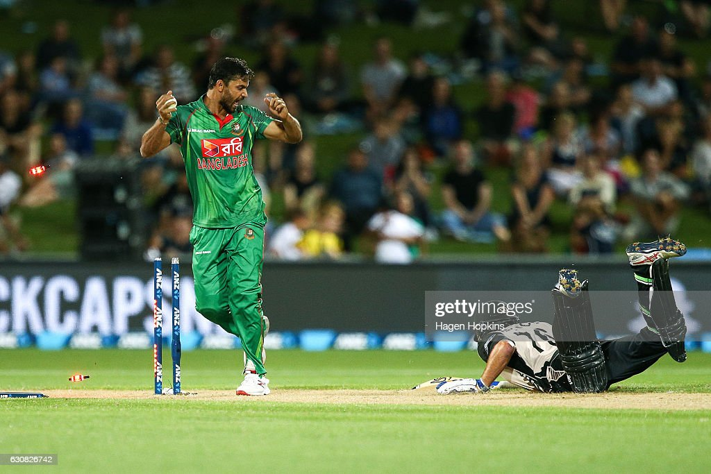 New Zealand v Bangladesh - 1st T20 : News Photo