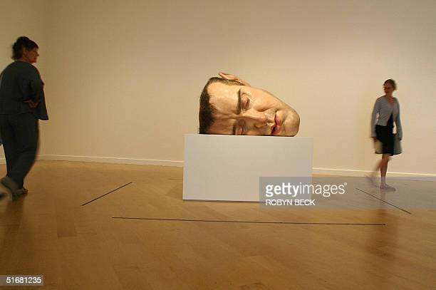 directions ron mueck ストックフォトと画像 getty images