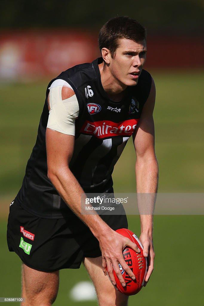 Mason Cox of the Magpies looks upfield during a Collingwood Magpies AFL training session on May 5, 2016 in Melbourne, Australia.