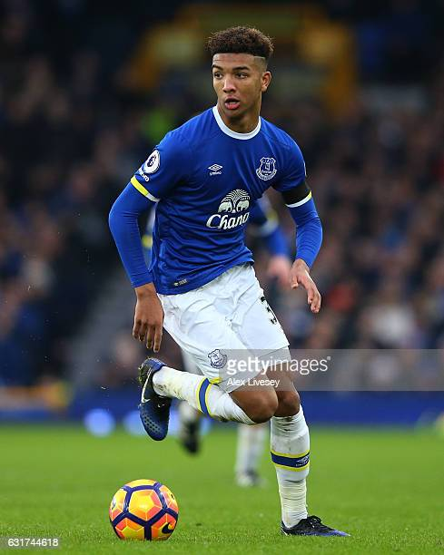 Mason Holgate of Everton runs with the ball during the Premier League match between Everton and Manchester City at Goodison Park on January 15 2017...