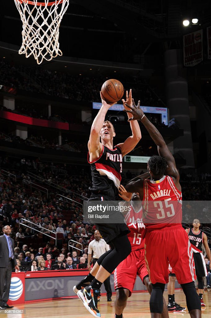 <a gi-track='captionPersonalityLinkClicked' href=/galleries/search?phrase=Mason+Plumlee&family=editorial&specificpeople=5792012 ng-click='$event.stopPropagation()'>Mason Plumlee</a> #24 of the Portland Trail Blazers shoots the ball against the Houston Rockets on February 6, 2016 at the Toyota Center in Houston, Texas.